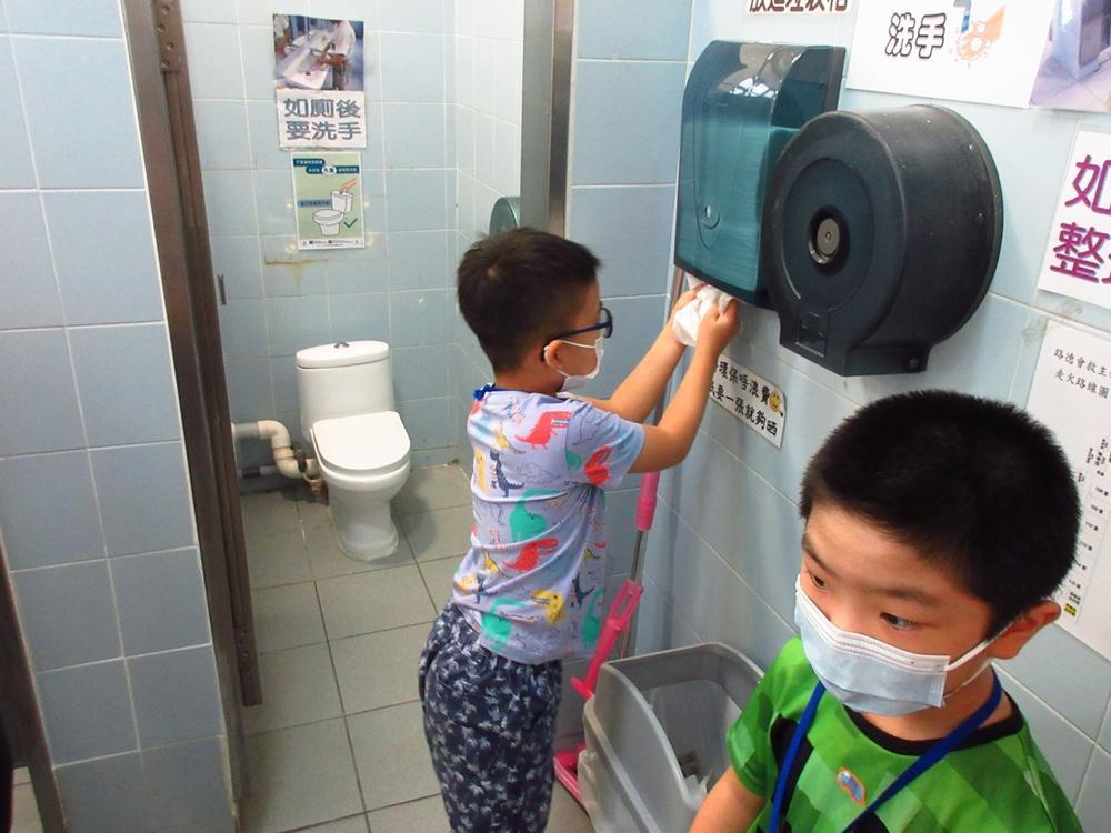 https://www.sls.edu.hk/sites/default/files/04_200923-25_016.jpg