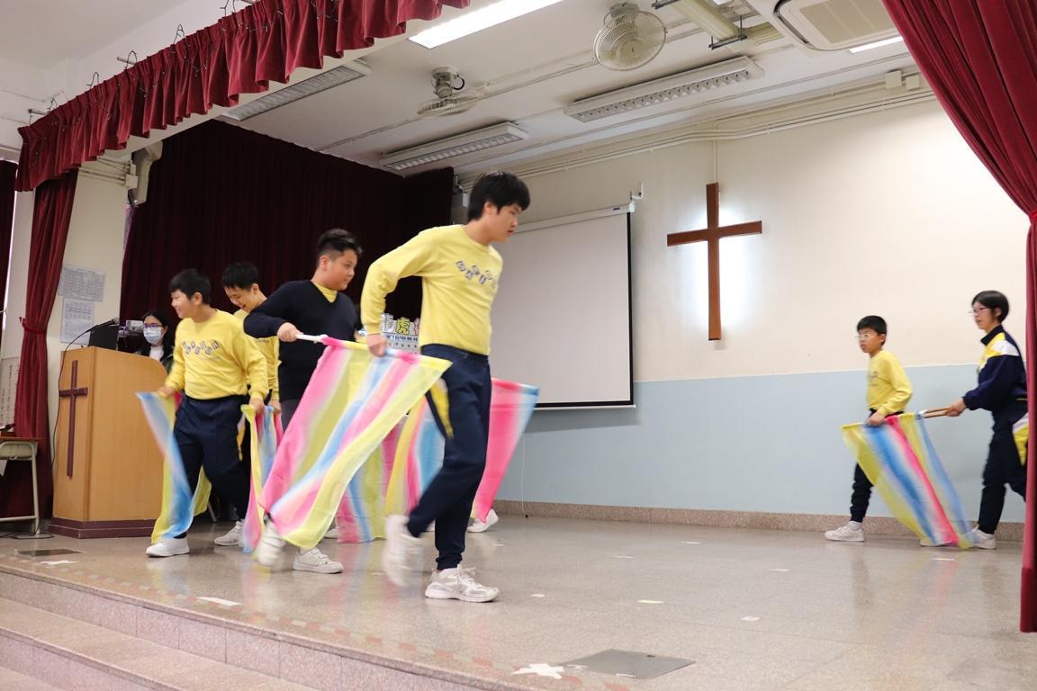 https://www.sls.edu.hk/sites/default/files/2018-19_cha_du_cheng_-_xue_sheng_biao_yan_tui_che__1.jpg