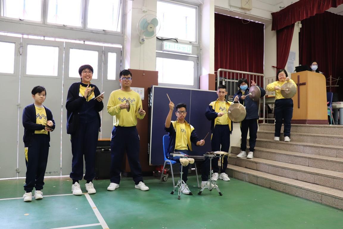 https://www.sls.edu.hk/sites/default/files/2018-19_cha_du_cheng_-_xue_sheng_biao_yan_yue_ju_le_qi__1.jpg