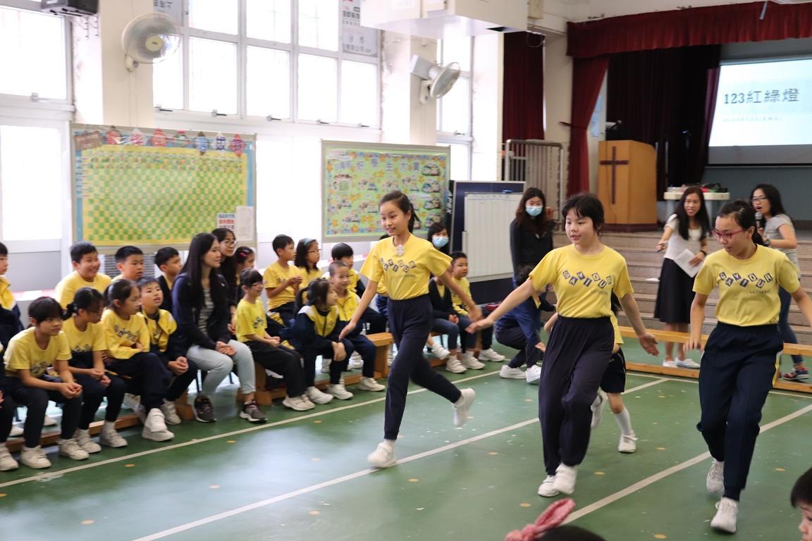 https://www.sls.edu.hk/sites/default/files/2018-19_chuan_tong_xiao_wan_yi_-_jing_ji_sai_123hong_lu_deng_.jpg